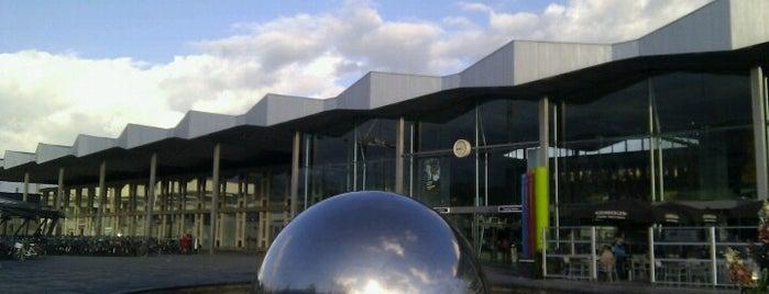 Station Sint-Niklaas is one of Bijna alle treinstations in Vlaanderen.