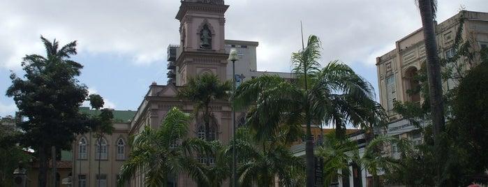 Igreja da Santíssima Trindade is one of Lugares preferidos.