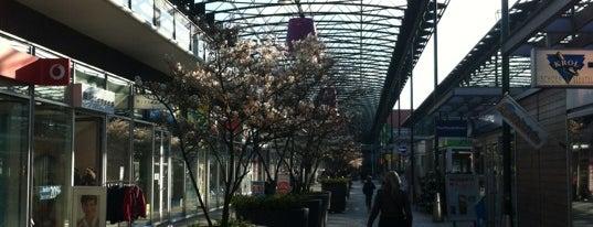 Winkelcentrum Leidsenhage is one of All-time favorites in Netherlands.