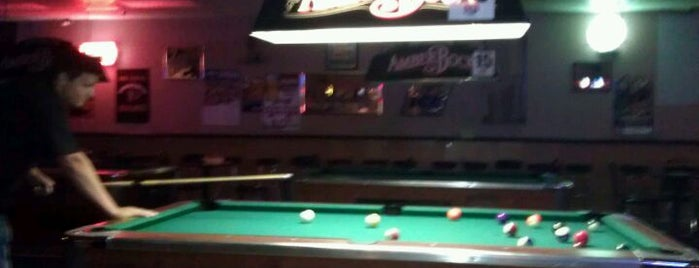 The Best Places With Pool Tables In Columbus - Pool table and bar near me