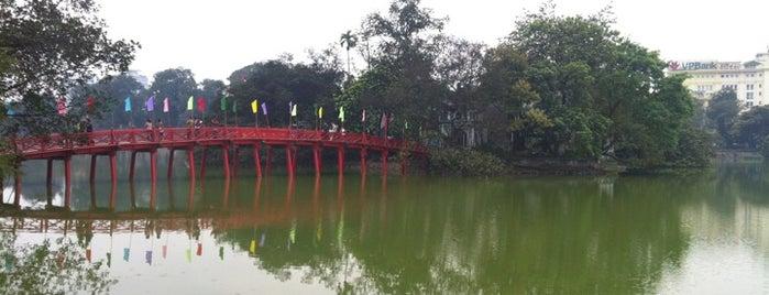 Cầu Thê Húc (The Huc Bridge) is one of Địa điểm phải tới khi ở Hà Nội.
