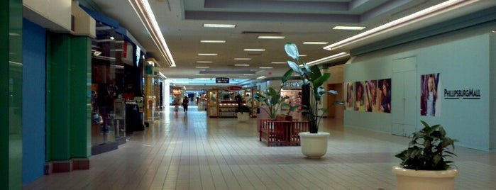 Phillipsburg Mall is one of Popular places.