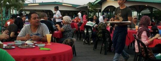 Muara Ikan Bakar Tanjung Harapan is one of Makan Time..