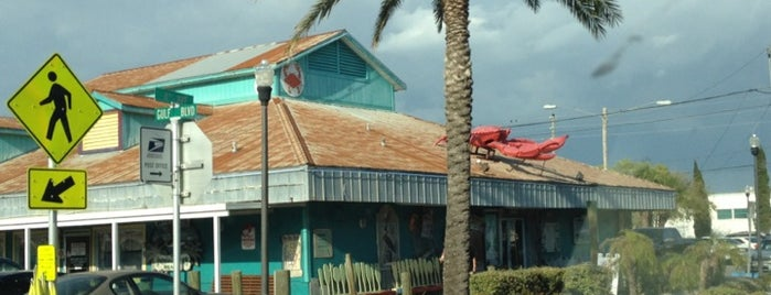Crabby Bill's Seafood is one of Bitchin' Guide to Indian Rocks Beach.