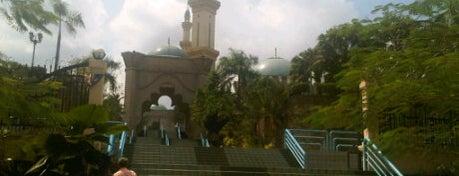 Masjid Jamek Tengku Abd Aziz Shah is one of Mosque.