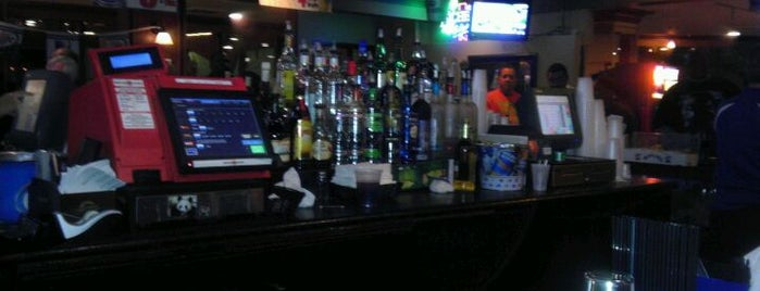 Willie K's Sports Cafe is one of places to dine.