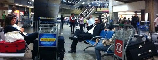 Desembarque Internacional is one of Aeroporto de Guarulhos (GRU Airport).