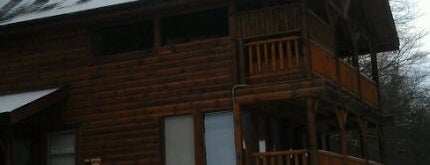 Fountain of Youth Rental Cabin by Cabin Fever Vacations is one of Pet Friendly Cabins in the Smokies.