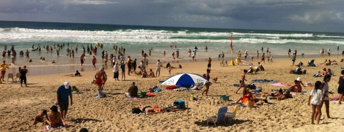 Main Beach is one of Надо посетить.