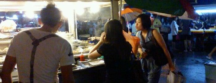 Pasar Malam Kepong Baru (Sunday) is one of Yeh's Fav Pasar Malam ^o^.
