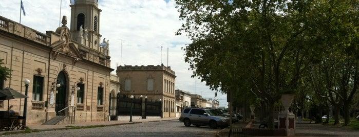 Plaza Ruiz de Arellano is one of Mis lugares más queridos !.