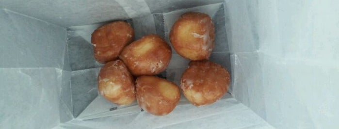 Reds Donut Shop is one of Paducah.