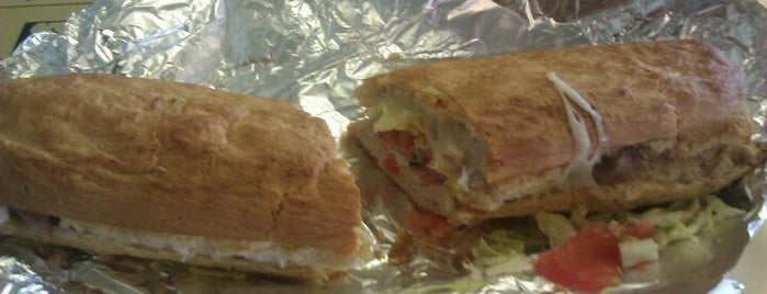Yello Sub is one of Lawrence Must Dines.