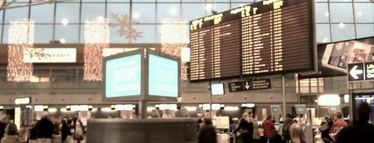 Helsinki Airport (HEL) is one of Dima airports.