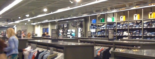G-Star Outlet is one of Cloths.