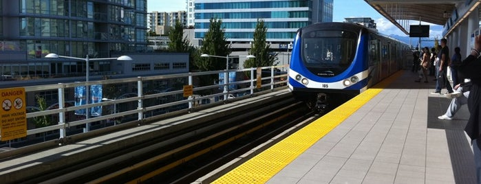Richmond - Brighouse SkyTrain Station is one of Vancouver/ Canadá.