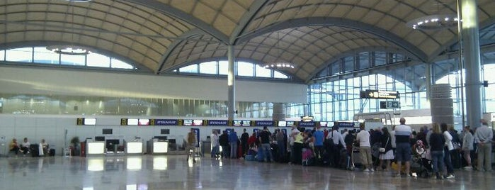 Aeropuerto de Alicante - Elche (ALC) is one of Airports in Europe, Africa and Middle East.