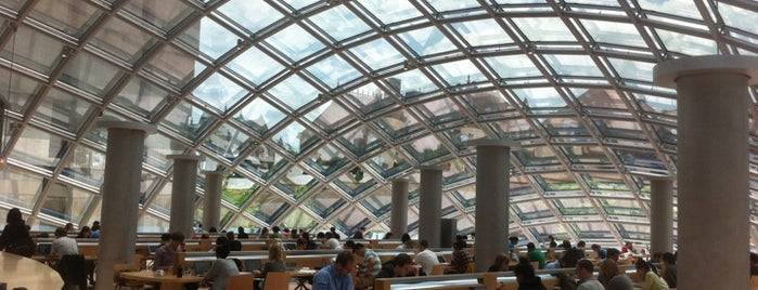 Joe and Rika Mansueto Library is one of UChicago places to see.