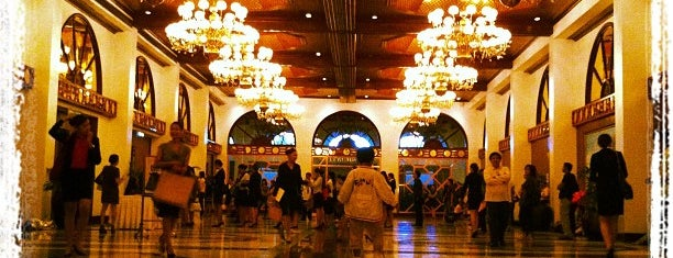 Manila Hotel is one of Manila.