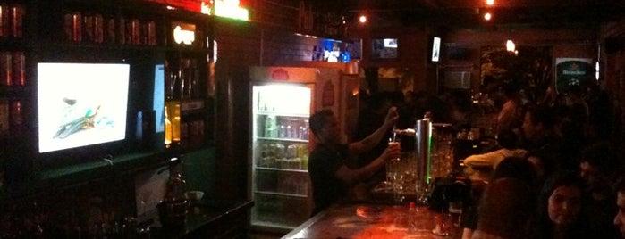 Celtic Irish Pub is one of BH by night best options.