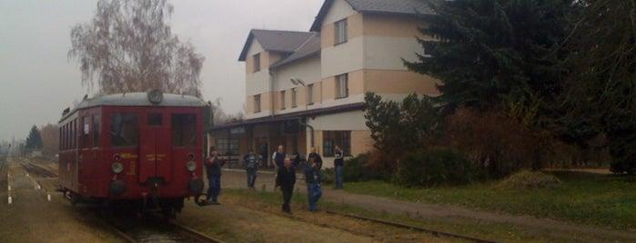 Železniční stanice Hrochův Týnec is one of Železniční stanice ČR: H (3/14).