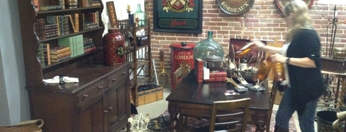 Rialto Antique Market is one of Stores I've Shopped At.