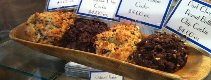 Levain Bakery is one of Wellesley Foodies in NYC.