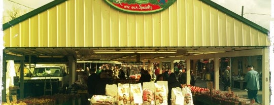 Green Dragon Market is one of Farm Markets and Organic Food in Lancaster.