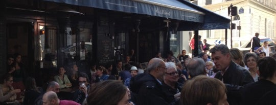 Jolis Mômes is one of Bars / Pubs.