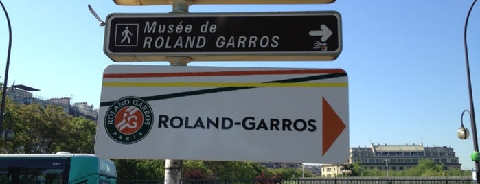 Roland Garros Check n Play is one of 09:00 AM on May 29, 2013  |  Orange France Badge.