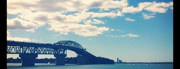 Auckland Harbour Bridge is one of Around The World: SW Pacific.