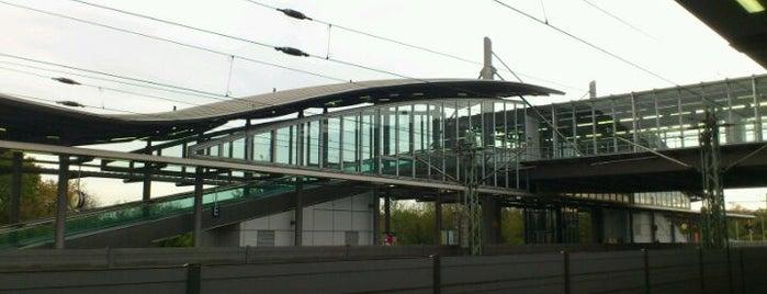 Dusseldorf Airport Railway Station is one of Bahnhöfe DB.