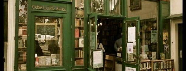 Shakespeare & Company is one of Paris.