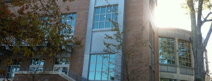 Holloway Commons is one of UNH Sustainability.