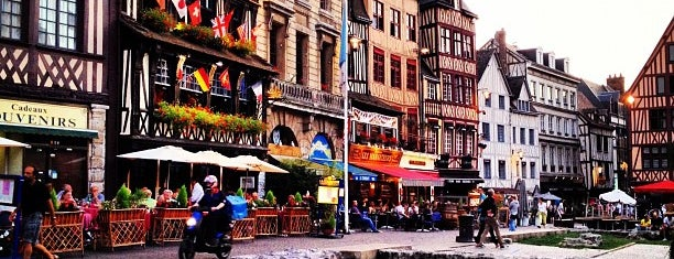 Place du Vieux Marché is one of Recommandations.