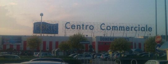 Centro Commerciale Le Porte di Napoli is one of 4G Retail.