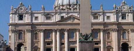 Saint Peter's Square is one of Da non perdere a Roma.