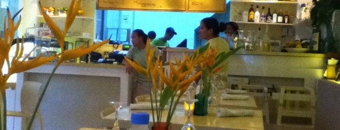 Lemoni Cafe & Restaurant is one of Bora.