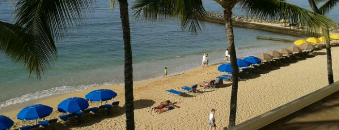 Outrigger Reef Waikiki Beach Resort is one of Hawaii List.