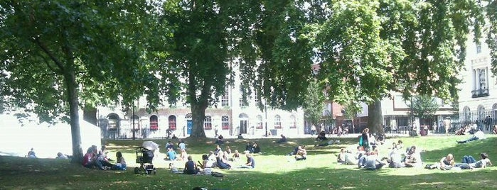 Fitzroy Square is one of 1000 Things To Do In London (pt 2).