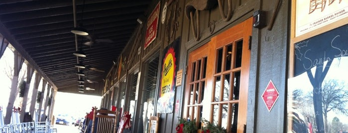 Cracker Barrel Old Country Store is one of Dallas Restaurants List#1.