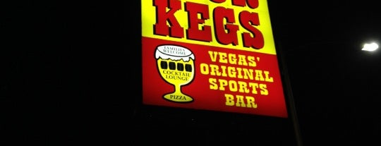Four Kegs Sports Pub is one of DINERS DRIVE-INS & DIVES.