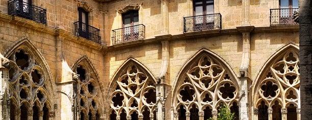 Catedral San Salvador de Oviedo is one of Les chemins de Compostelle.