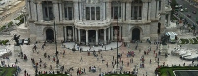 Palacio de Bellas Artes is one of Algunos lugares....