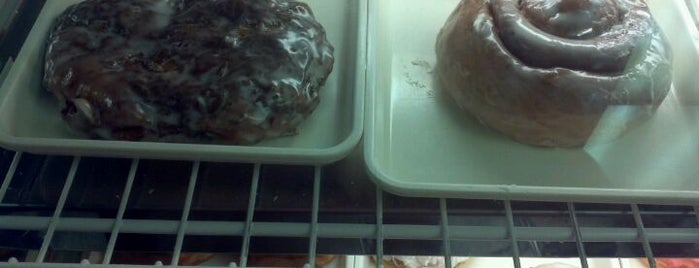 Dat Old Fashioned Donut is one of Windy City Badge.