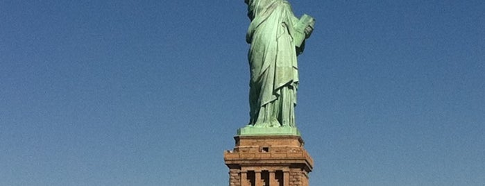 Statue of Liberty is one of Apple Store.