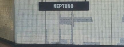 Metro Neptuno is one of Estaciones del Metro de Santiago.