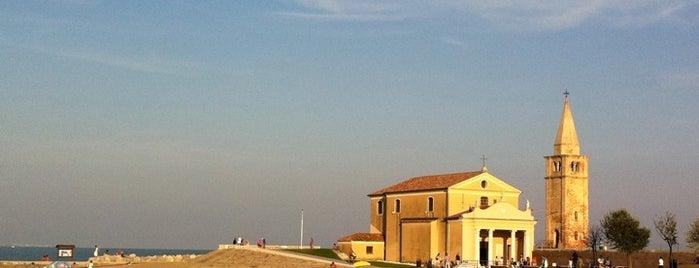 Spiaggia di Levante is one of Пляжи италии.
