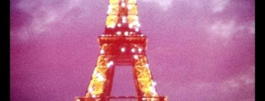 Torre Eiffel is one of Stunning Views Around the World by Nokia.