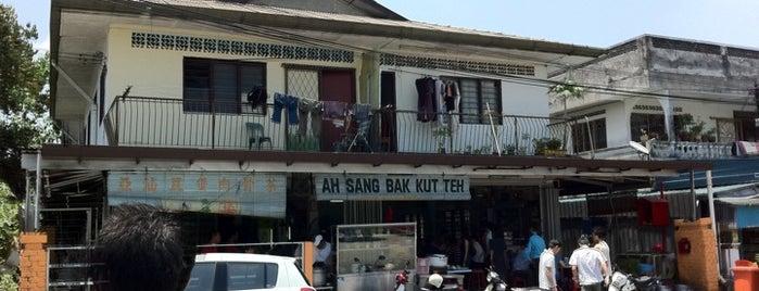 Ah Sang Bah Kut Teh (亚汕肉骨茶) is one of KL favorites.
